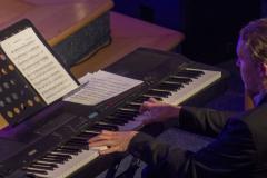 Dirk_am_Klavier_Web